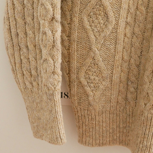 [haag] a castella sweater